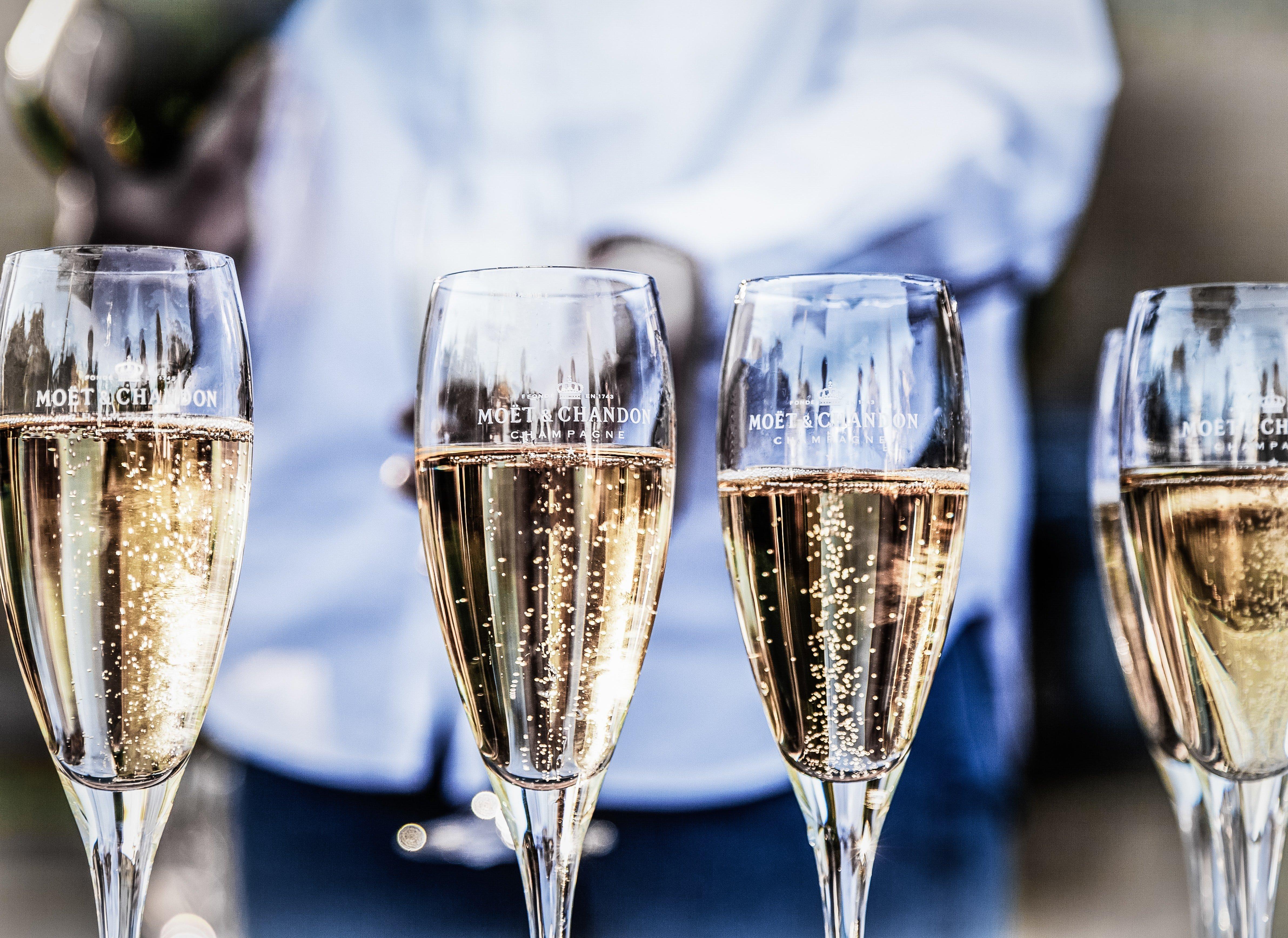 5 fejl du laver når du sabler din champagne