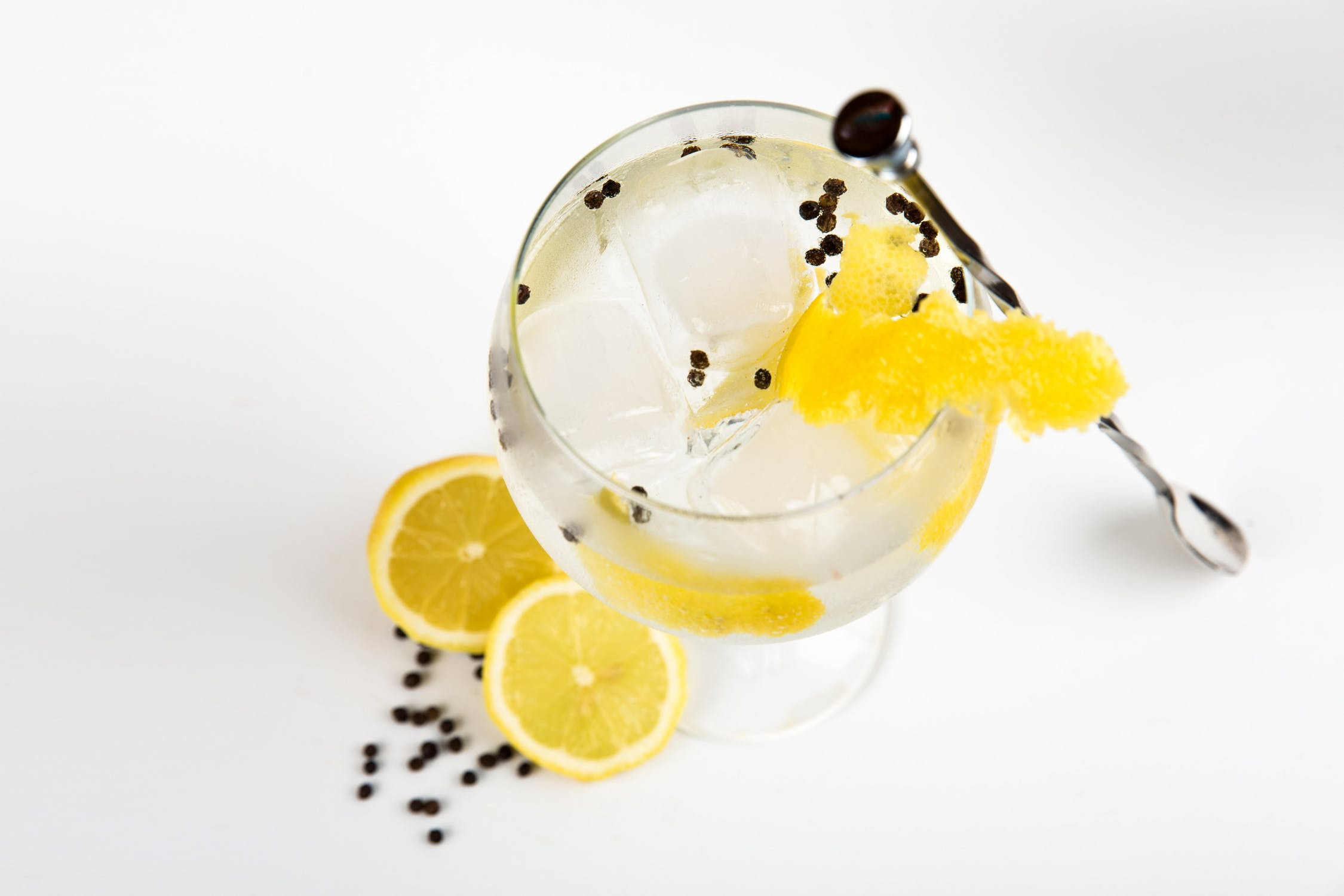 Bliv klogere på gin og dens brug